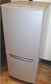 冷蔵庫のクリーニング始め